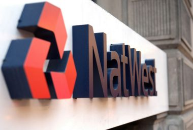 Natwest Warns of Sub-Zero Rates, Savings NOT in Bitcoin at Risk