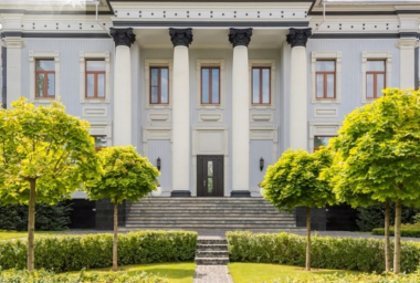 3000 Bitcoin Mansion for Sale in Russia Hindered by Lack of Regulation
