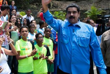 Venezuela Seeks Miners for the Petro - Maduro Claims 860,811 Already Signed Up