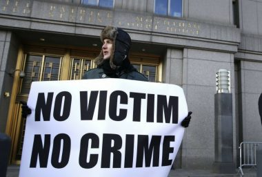 Dark Web Alleged Silk Road Conspirator Handed to US Authorities