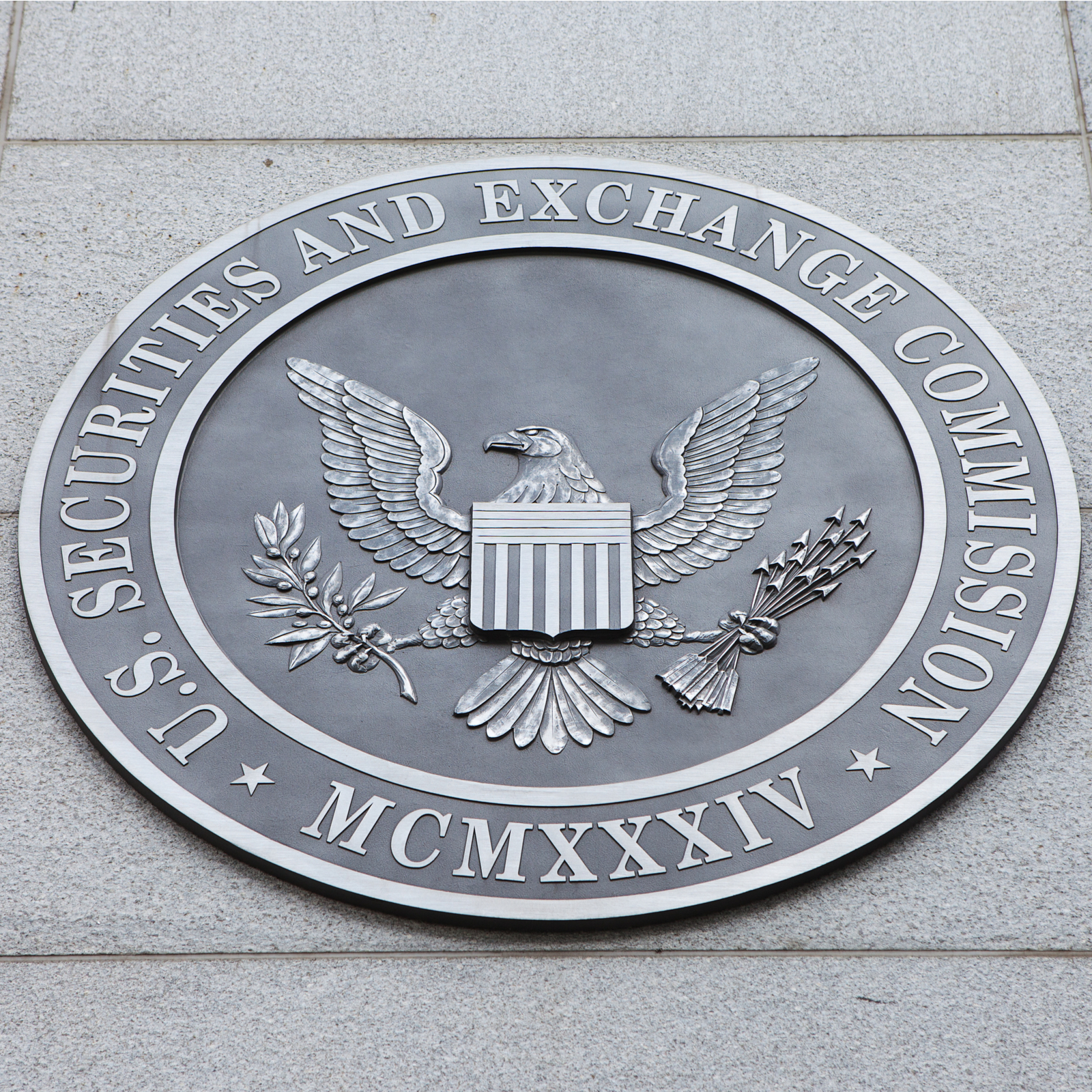 Amid Crackdown, SEC Chairman Emphasizes Compliance Requirements for ICOs