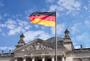 Initiative to Curtail Negative Interest Rates Gains Traction in Germany