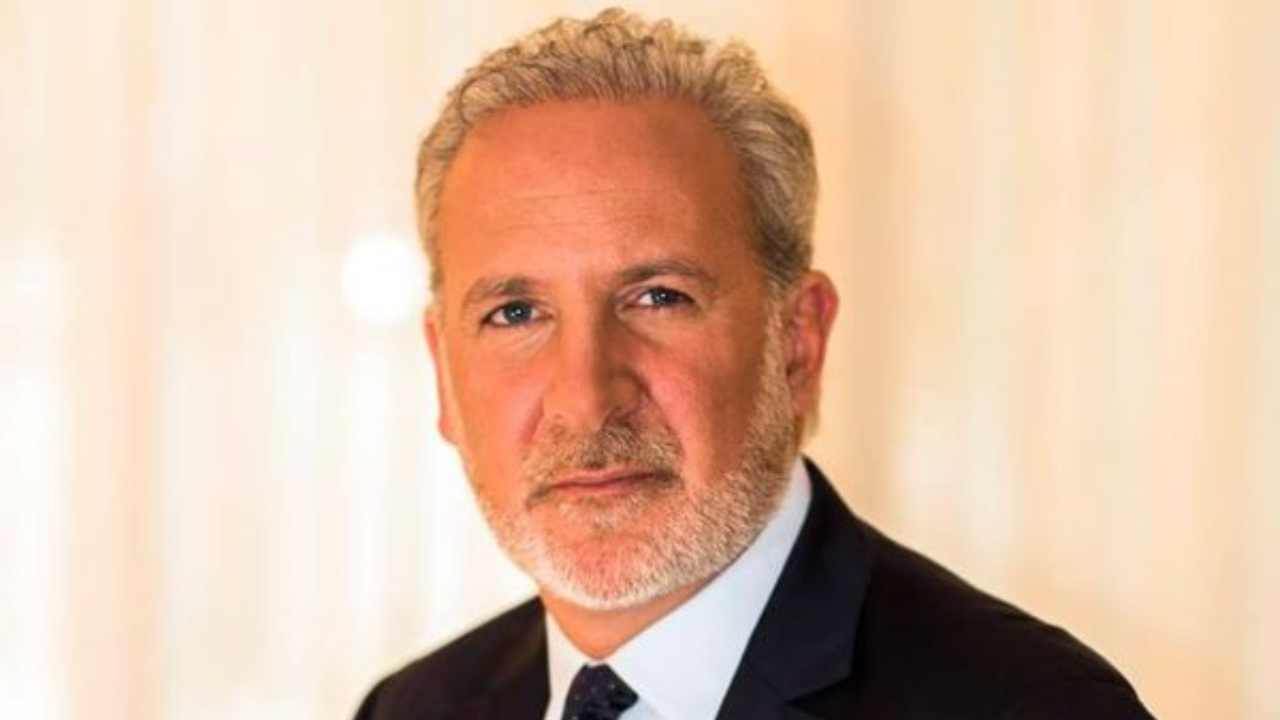 Peter Schiff Blames Government for the Massive Dollar Depreciation — Still Refuses to Accept BTC is Digital Gold